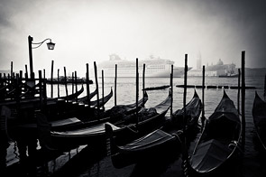 Venetian contrasts by Andre Viegas